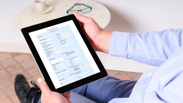 雇用調整助成金のオンライン申請が受付停止へ、他人の個人情報が…